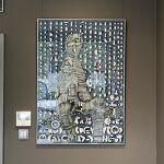 papier, szkło, metalowa rama anodowana kolor srebrny: Magdalena Kucharska-Niebieski-70x100cm-1995